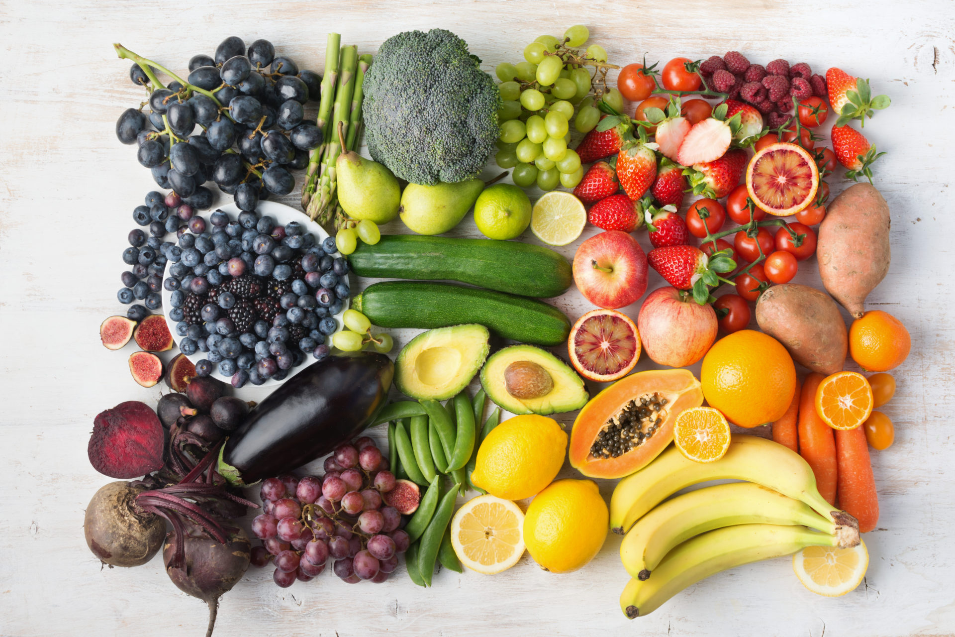 Healthy,Eating,Concept,,Assortment,Of,Rainbow,Fruits,And,Vegetables,,Berries,