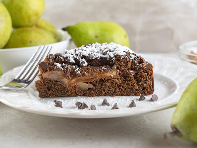Close,Up,Side,View,Of,Chocolate,Pear,Cake,Sprinkled,With