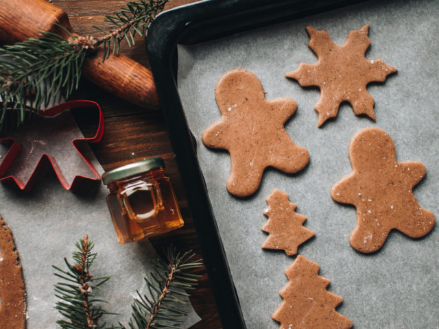 Christmas,Cookies.,Making,Gingerbread,Cookies,For,Holidays.,Gingerbread,Dough.,Christmas