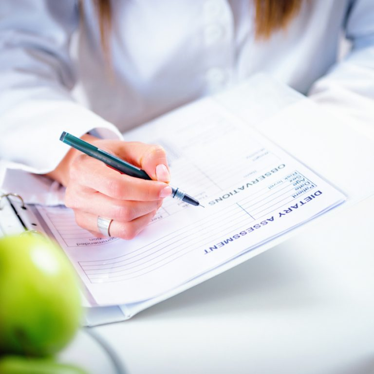 Doctor,Nutritionist,,Dietician,And,Female,Patient,On,Consultation,In,The